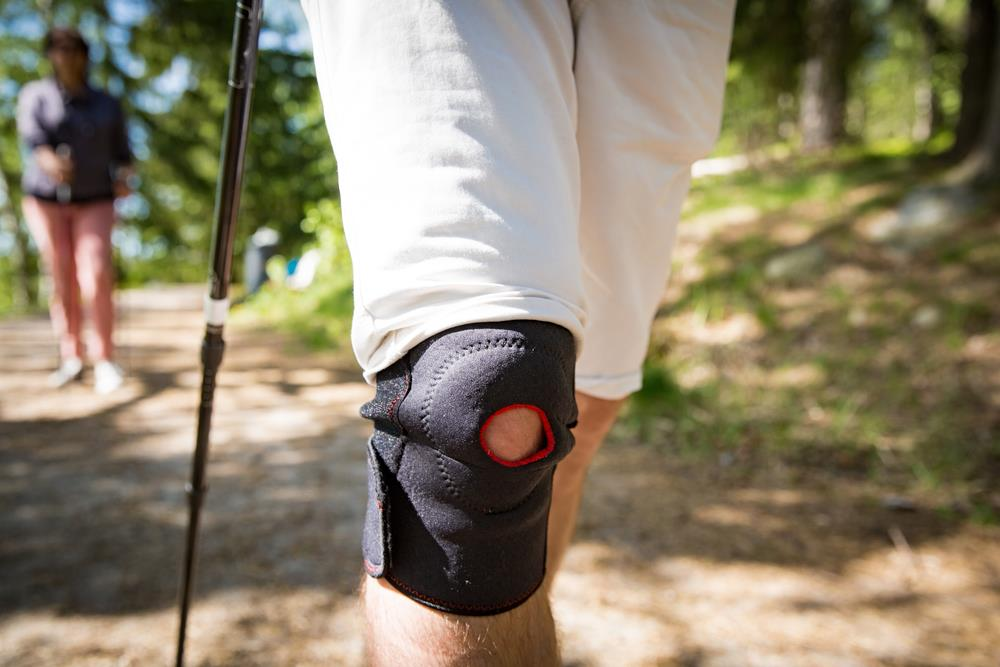 knee-pain-while-hiking